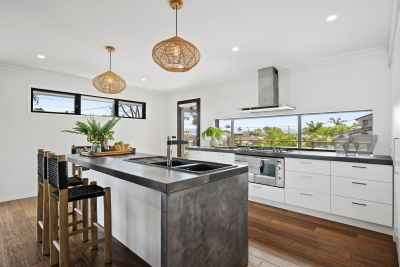 Urban Modern Style Home in Central Benowa Waters