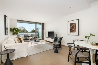 North Facing Penthouse with great views! Walk to Rail & Schools