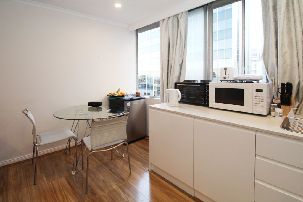 BRIGHT & STYLISH STUDIO IN THE HEART OF BONDI JUNCTION