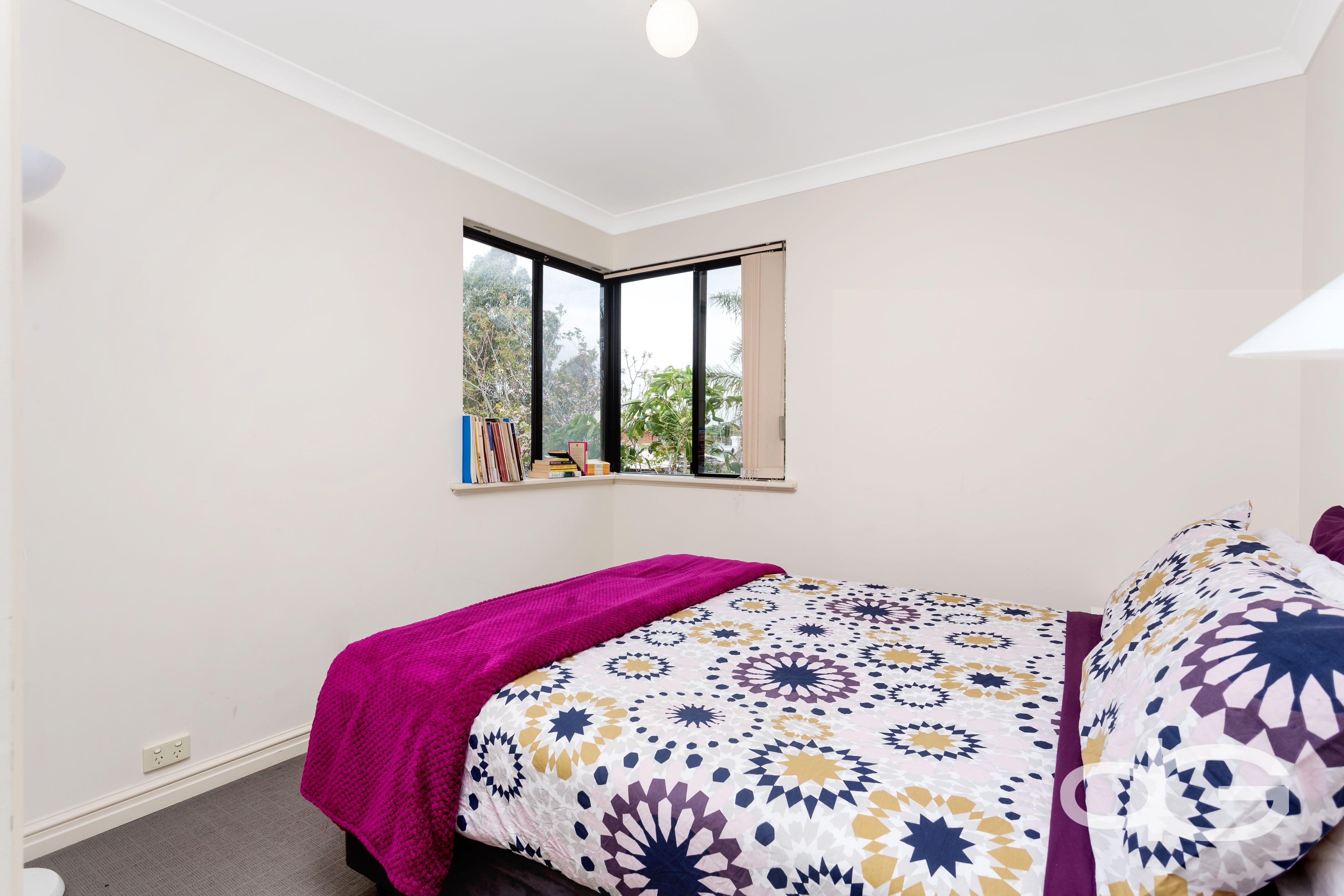 24A Hampton Road, Fremantle