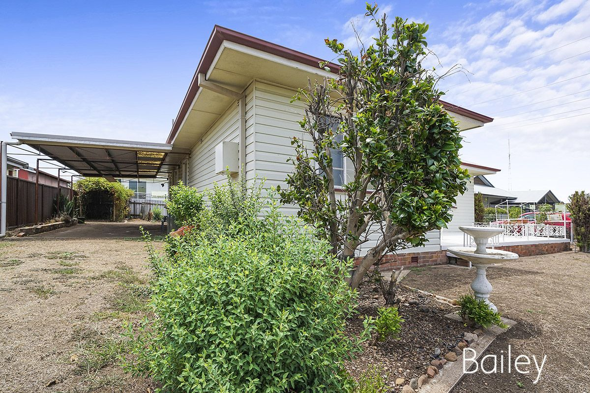 6 Dudding Street, Singleton