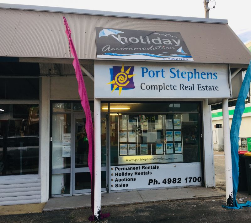 STREET FRONTAGE ON MAIN ROAD - ANNA BAY