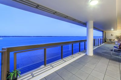 Panoramic Uninterrupted Broadwater Views - Expansive North-East Apartment