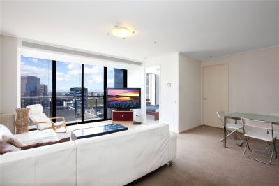 Melbourne Tower: 28th Floor - Two Bedroom Apartment With Stunning Views!
