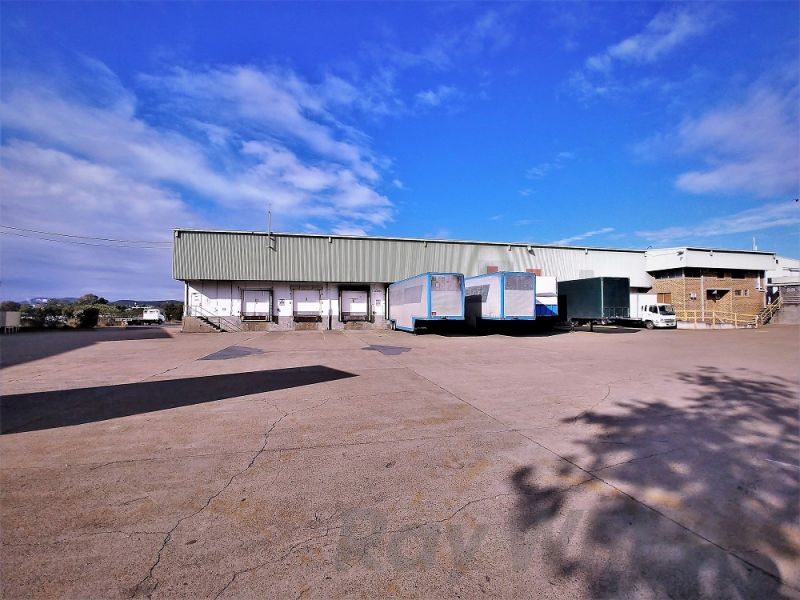 6,900sqm* TRADECOAST DISTRIBUTION / STORAGE FACILITY WITH HARDSTAND