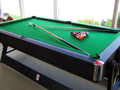 Billiards Club in East - Ref: 10428