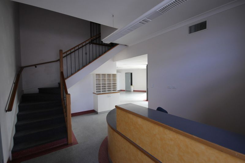 600sqm* Office and Warehouse with Lab Fit-Out
