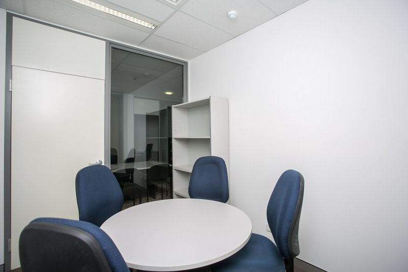 PREMIUM OFFICES IN HEART OF WEMBLEY AVAILABLE ON PLUG IN & GO BASIS!!