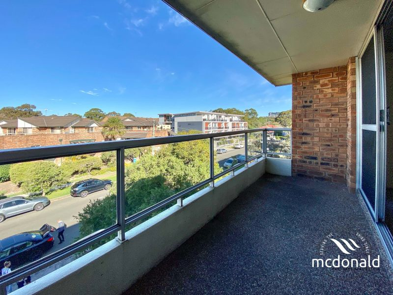 Top Floor Unit with a Central Location!