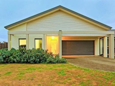 Spacious 4 bedroom Family Home !!