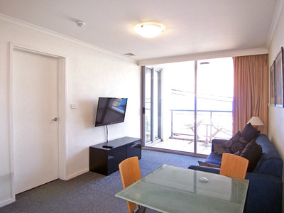 Furnished Resort-style 1 Bedroom Unit in City Centre near Central!