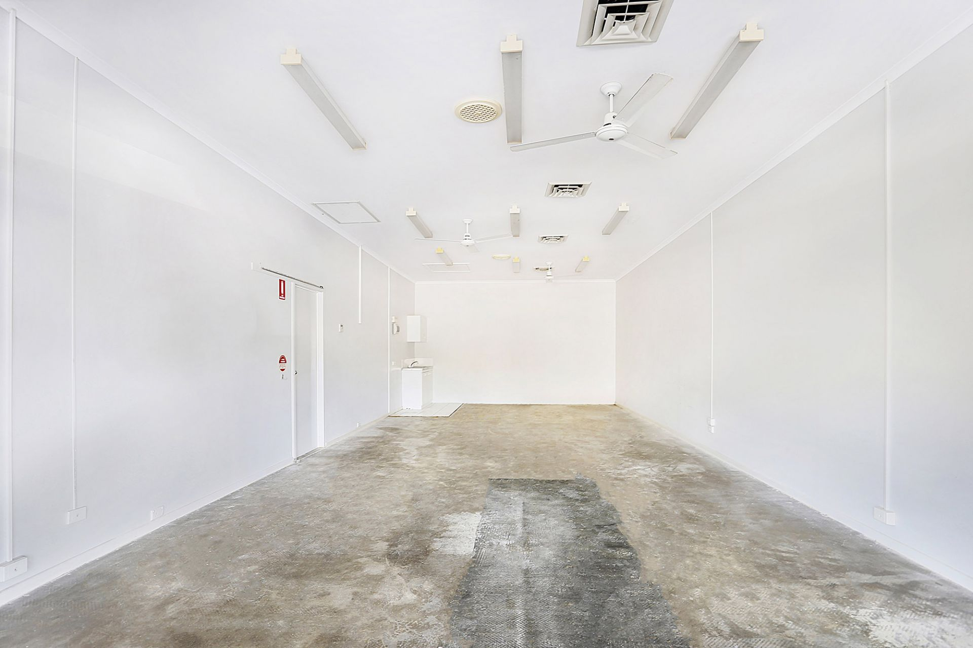 AFFORDABLE OFFICE/MEDICAL SUITE IN CONVENIENT BUDERIM LOCATION