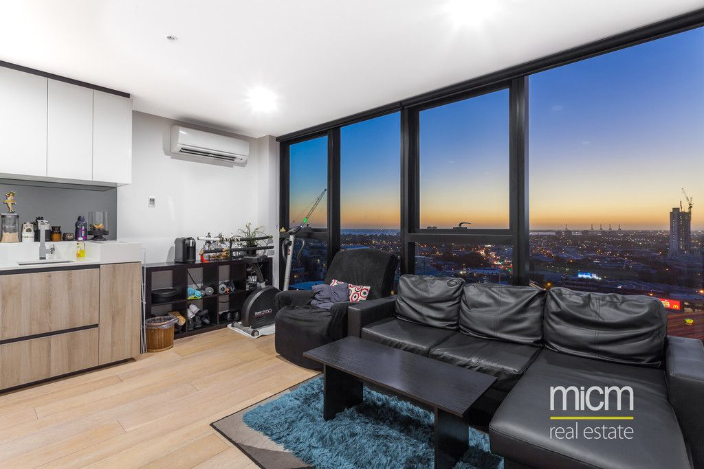 Bay Views and Luxury Southbank Style