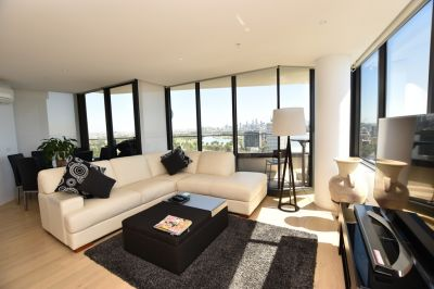 Unfurnished Two Bedroom Apartment with 180 Degree Views of the Bay and City!