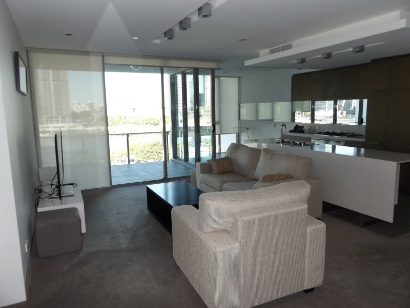 South Bank Apartment - Fully Furnished Two Bedrooms