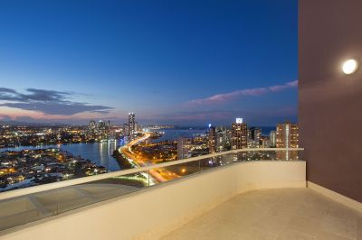 Luxurious 4bed Sub-Penthouse in Iconic Building