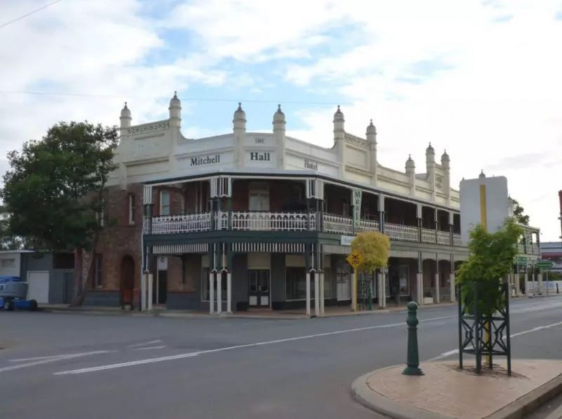 MITCHELL HALL HOTEL – SELLING FREEHOLD WITH 4BR MANAGERS RESIDENCE