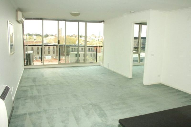 The Promenade: 8th Floor - Stunning Views Over St Kilda Road!