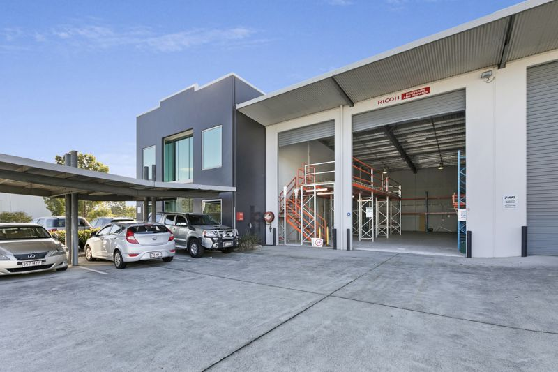 AUCTION - 804sqm* FULLY FITTED A GRADE FRINGE OFFICE / WAREHOUSE