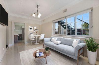 Rare Art Deco Unit for Rent w/ Courtyard