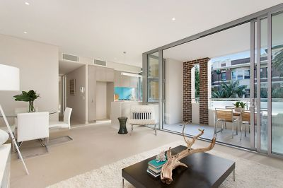 Modern Apartment In Heart of Manly