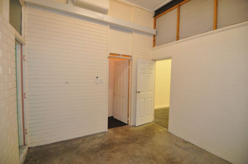 Commercial strata titled suite within Rossvale Centre