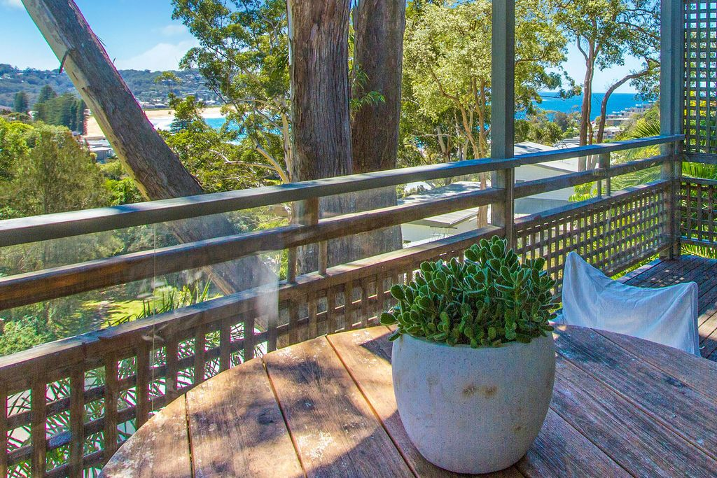 26 Fairscene Crescent Avoca Beach 2251