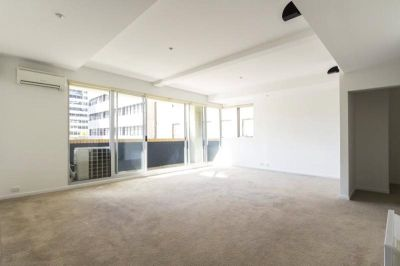 Hero Apartments: Three Bedroom Apartment in CBD with Everything at Doorstep!