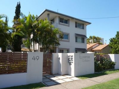 GREAT LOCATION- PET FRIENDLY- 2 BEDROOM APARTMENT