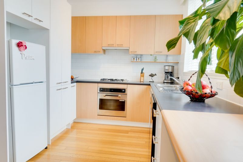 For Sale By Owner: 2/11 Broadway, Elwood, VIC 3184