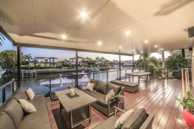 Stunning single level waterfront  Long canal views