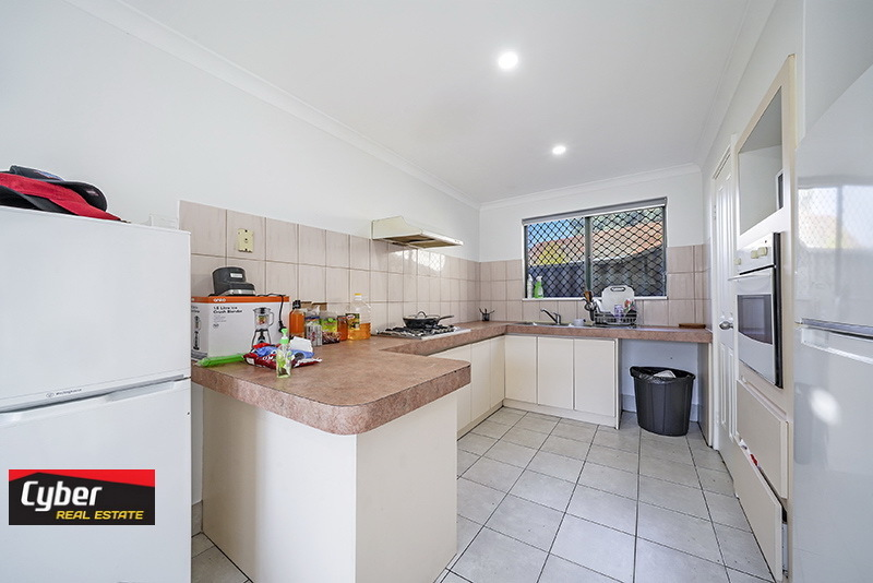 GREAT LOCATION LOW MAINTENANCE 5 BEDROOM HOME