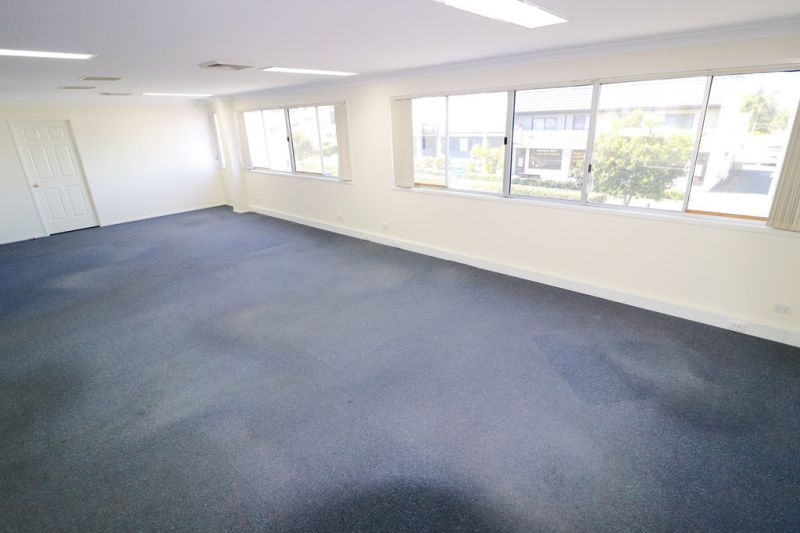 Well Presented Office Suite With An Abundance Of Natural Light - Exceptional Incentives On Offer