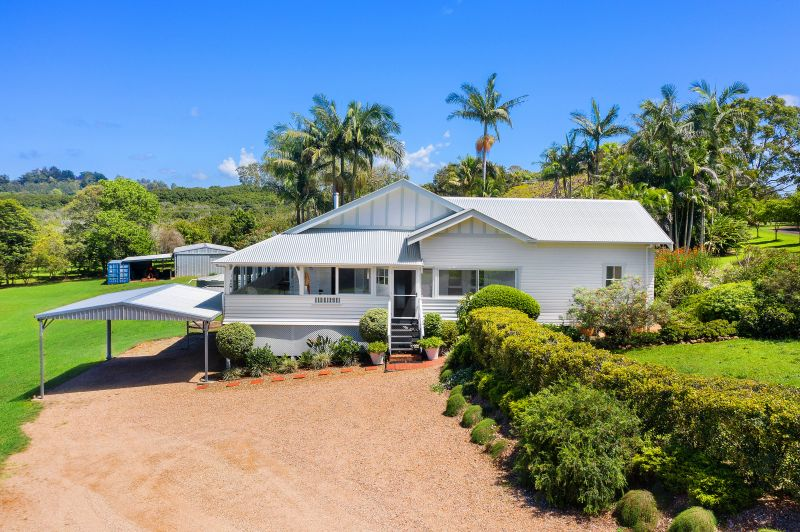 18 Acre Tropical Sanctuary, 15 Minutes From the Beach