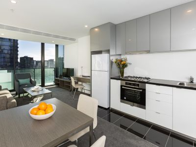 Southbank Grand: Modern and Spacious One Bedroom in the Heart of Southbank!