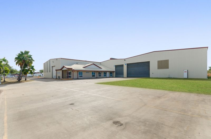 High bay warehouse with bunded hardstand site