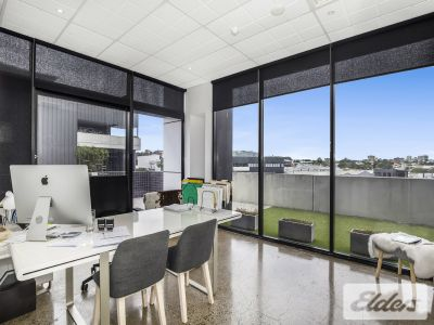 93m2 STYLISH OFFICE WITH EXPANSIVE BALCONY/BREAKOUT!