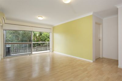 Refurbished apartment - in Great location.