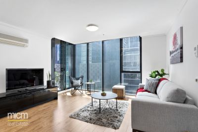Southbank Sophistication with Natural Light, Surprising Space and Stylish Detail