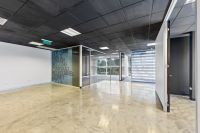 Fashionable & Contemporary Office In Bundoora Hub