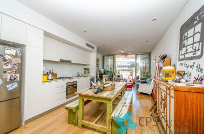 EXECUTIVE ONE BEDROOM RESIDENCE IN RENOWNED DESIGNER COMPLEX OPEN FOR INSPECTION: BY APPOINTMENT