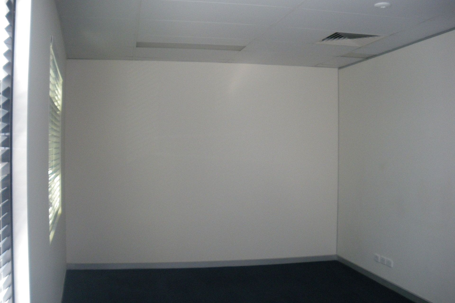 113m2* EXECUTIVE FIRST FLOOR OFFICE