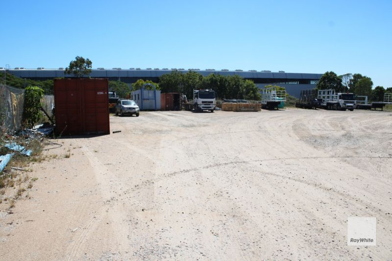 4,000m2 Industrial Holding Yard