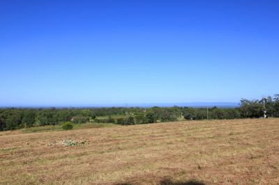 one of the most spectacular blocks on the market. over 26 acres, elevated with stunning blue mountain views. suit horses/lifestyle. must be seen!!!