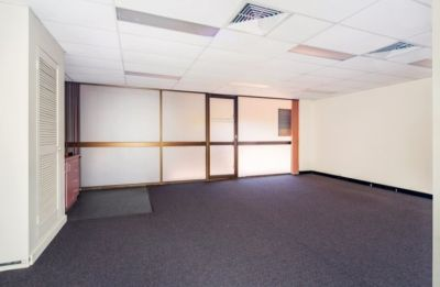 AFFORDABLE ALBION OFFICE WITH CREEK VIEW!