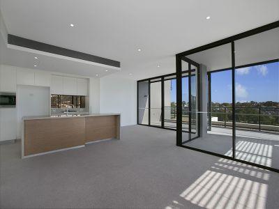 Huge 222sqm 3-Bedroom Apartment in Harold Park