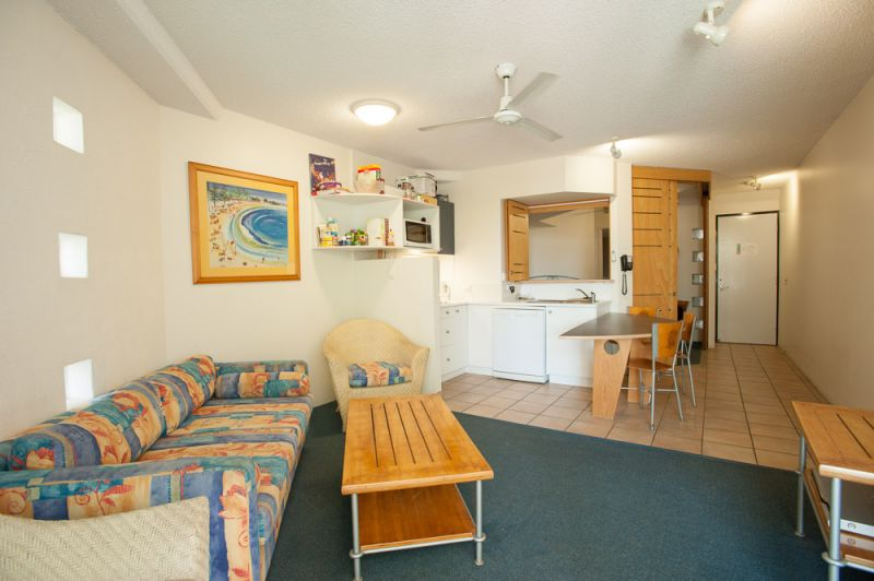 Well Maintained Unit in attractive complex in Mooloolaba