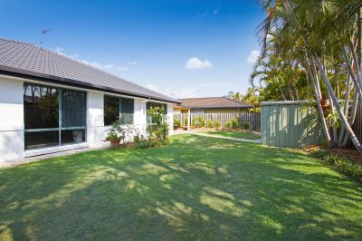 Immaculate Home with 2.8m Side Access for Boat, Caravan or Trailer