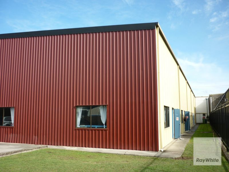 460m2* Multi Use Unit In The Heart of Brendale