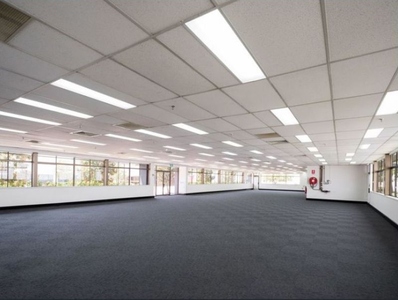 Well-connected warehouse and office space